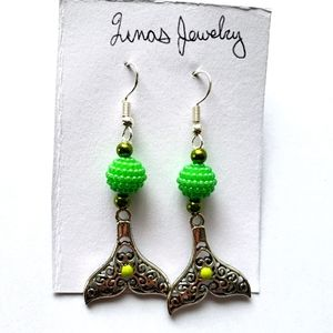 ❤ green beaded mermaid tail dangle earrings ❤
